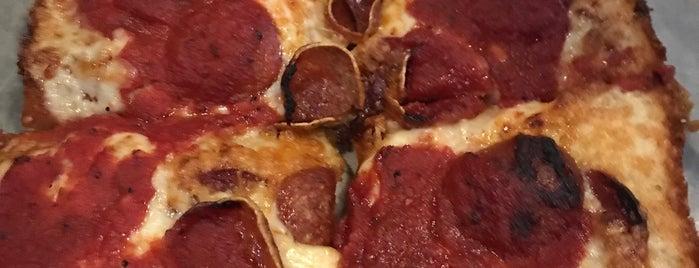 Buddy's Pizza is one of PJ : понравившиеся места.