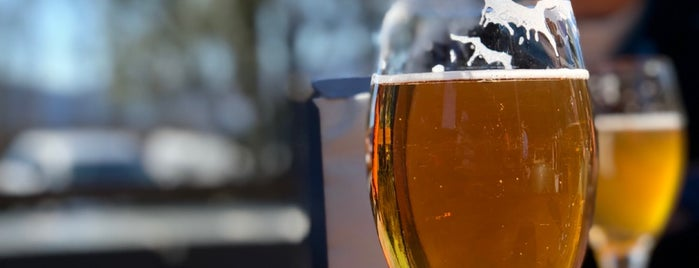 Moa Brewery is one of Posti salvati di Matt.