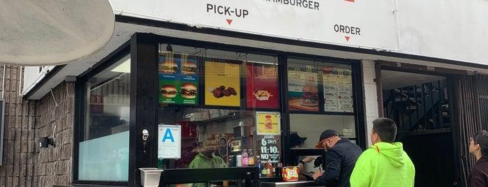 Burgerlords is one of Locais salvos de Paresh.