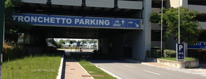 Venezia Tronchetto Parking is one of Lugares favoritos de Sveta.