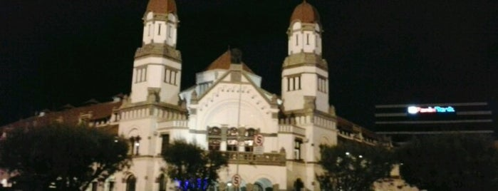 Lawang Sewu is one of Destination In Indonesia.