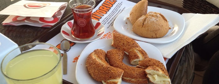 Simit Sarayı is one of Mehmetさんのお気に入りスポット.