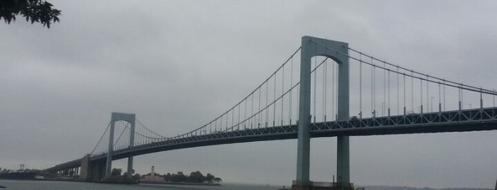 Throgs Neck Bridge is one of Tempat yang Disukai Mei.