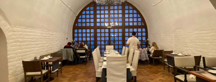 """Ресторан-музей """"Собрание"""" is one of Lugares favoritos de Marina."""