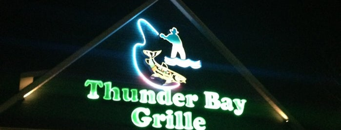 Thunder Bay Grille is one of Lieux qui ont plu à Scott.