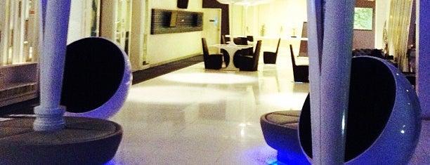โรงแรมกลาเซียร์ is one of สถานที่ที่ Jase ถูกใจ.