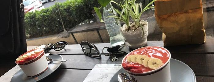 Mélange Café | کافه ملانژ is one of Tehran cafés.