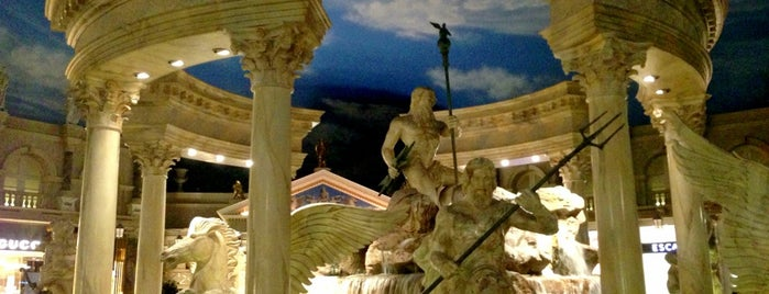 The Forum Shops at Caesars Palace is one of prefeitura.