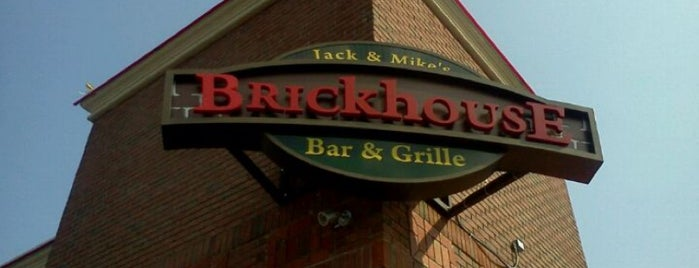 Jack & Mike's Brickhouse Bar & Grille is one of Posti salvati di Lizzie.