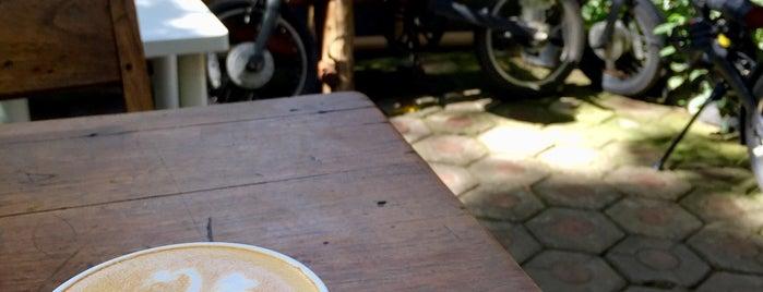 Kedai Teko New X Kozi Coffee is one of PANG ! PAgi NGopi Bandung.