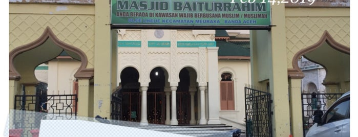 Masjid Baiturrahim is one of Aceh trips.