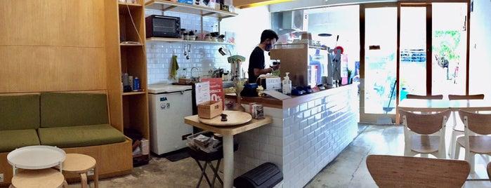 Stream Coffee HQ is one of PANG ! PAgi NGopi Bandung.
