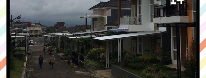 Villa Delima Residence is one of Bromo-Batu-Malang Trip 2017.