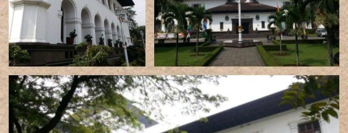 Gedung Sate is one of My Hometown.