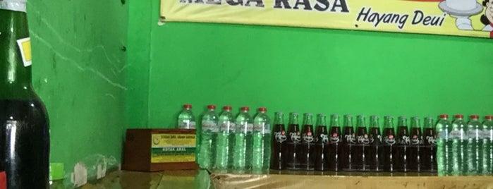 Bubur Ayam Mega Rasa (Hayang deui) is one of Cimohay spots.