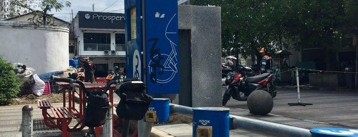 19. Boseh 19 Jalan Cikapundung Timur (inactive) is one of Bike On Street Everybody Happy (boseh).