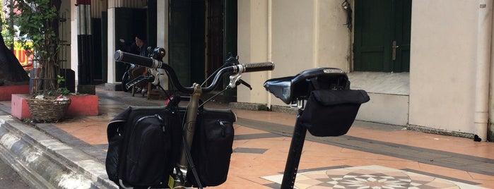 Toko OEN is one of Semarang Trips.