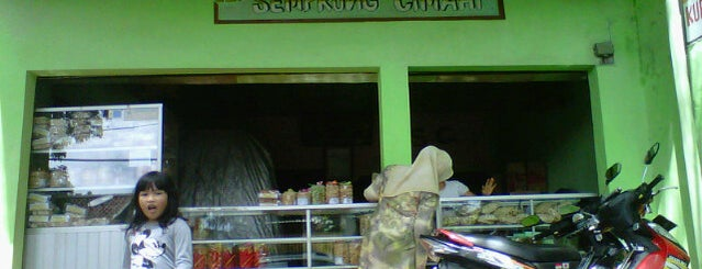 Kue Semprong Cimahi is one of Cimohay spots.