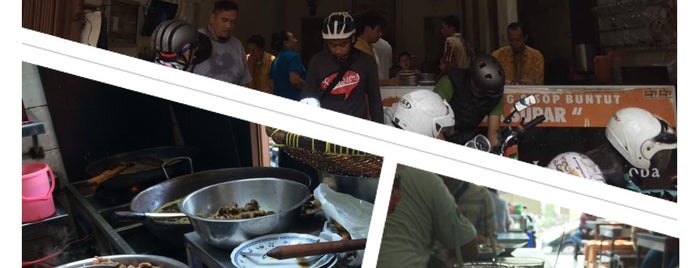 Ayam Goreng & Sop Buntut Pak Supar is one of Semarang Trips.