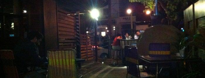 Pizzas Caracol is one of Tempat yang Disimpan Karen 🌻🐌🧡.