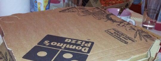 Domino's Pizza is one of Tempat yang Disukai Spiridoula.