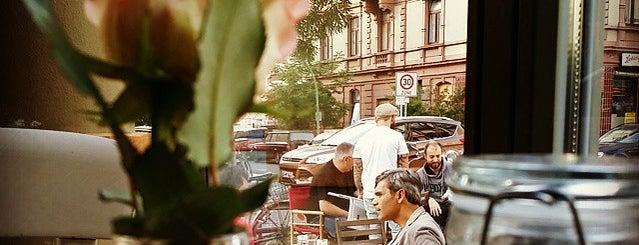 Café Glauburg is one of Why Starbucks?.