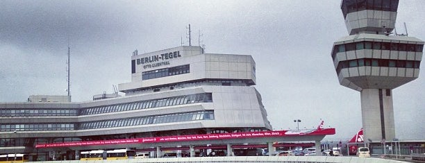 Flughafen Berlin-Tegel Otto Lilienthal (TXL) is one of Locais curtidos por k&k.