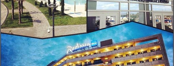 Radisson Blu Resort is one of Thomas'ın Beğendiği Mekanlar.