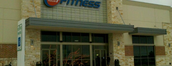 24 Hour Fitness is one of Jathan 님이 좋아한 장소.