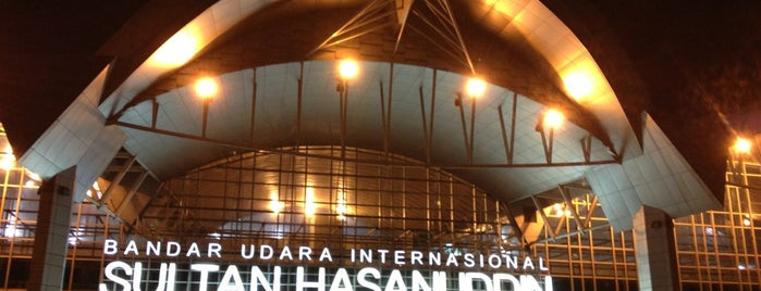 Sultan Hasanuddin International Airport (UPG) is one of Locais curtidos por Philjeuwbens Aditya.