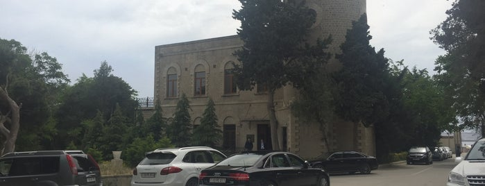 Nobel Oil Club (Villa Petrolea) is one of Restaurants in Baku (my suggestions).
