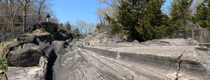 Glacial Grooves Geological Preserve is one of OH - Ottawa Co. (PIB).