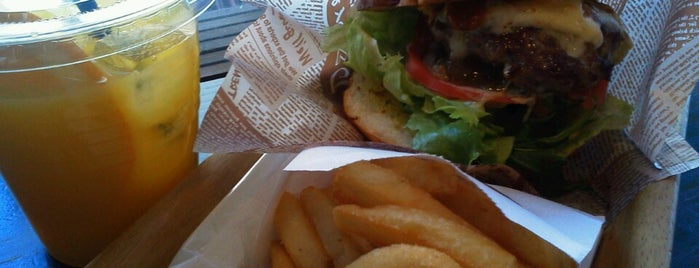 HOLLYWOOD BURGER is one of Tokyo: eat & drink.