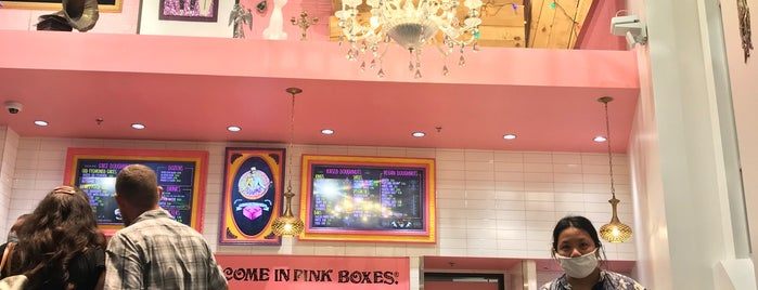 Voodoo Doughnut Universal CityWalk Orlando is one of Lieux qui ont plu à Priscila.