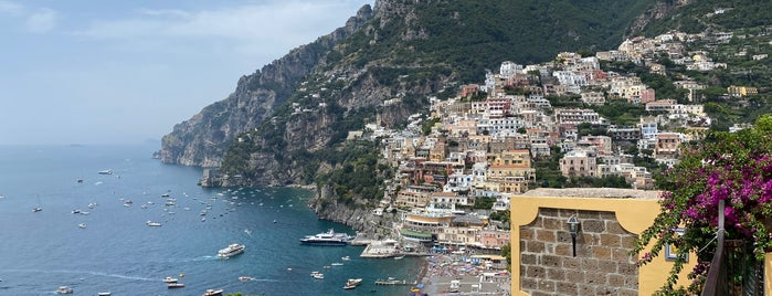 Li Galli is one of Roadtrip Italy.