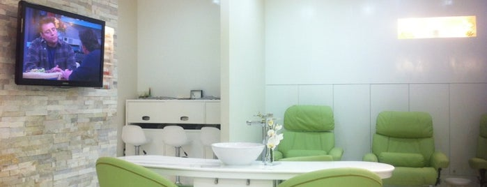 Nails Lounge & Spa is one of Lugares favoritos de Fatma.