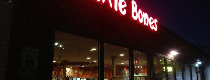 Dixie Bones BBQ is one of Alinka : понравившиеся места.