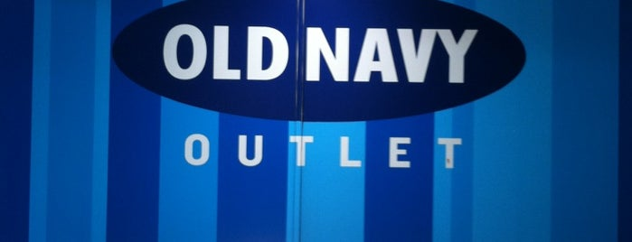 Old Navy Outlet is one of Lieux qui ont plu à Alberto J S.