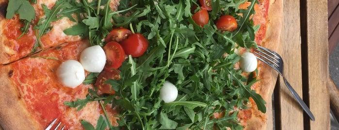 Avanti Pizza is one of Lieux qui ont plu à Maŗċ.