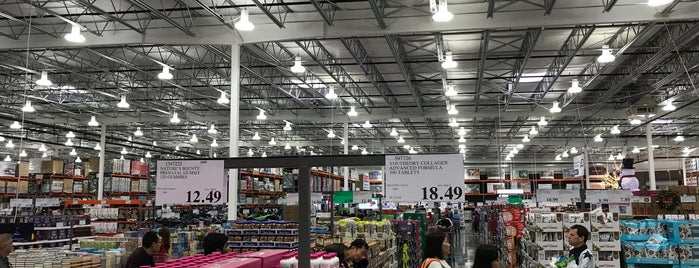 Costco is one of Lieux qui ont plu à Ray.
