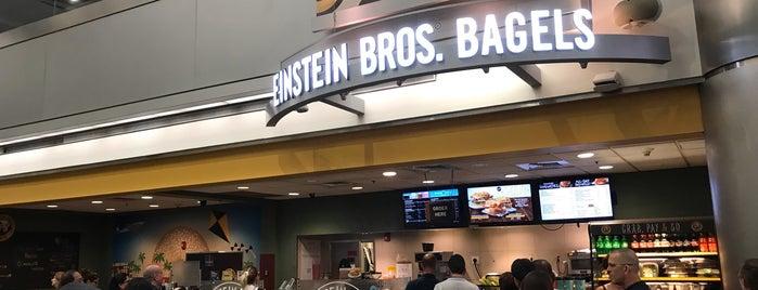 Einstein Bros Bagels is one of Locais curtidos por Wallace.
