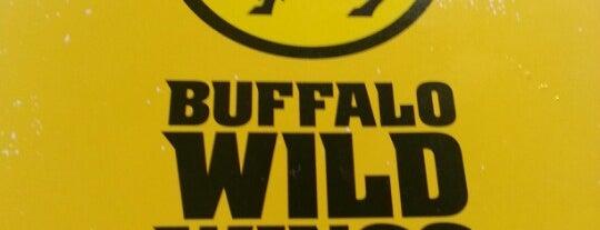 Buffalo Wild Wings is one of สถานที่ที่ Amne ถูกใจ.