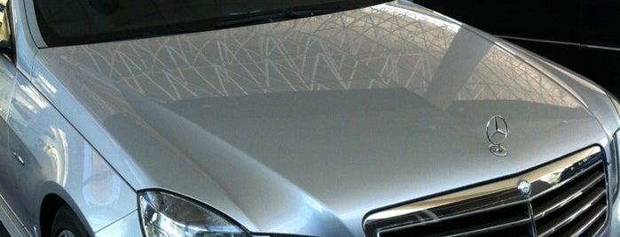 Kaufmann Mercedes-Benz is one of Locais curtidos por Gema.