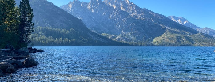 Jenny Lake is one of Lugares favoritos de Bridget.