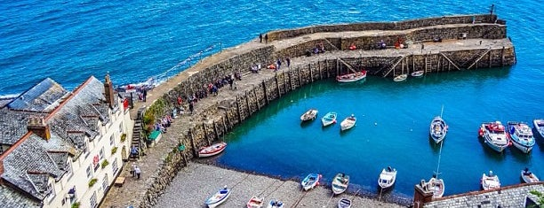 Clovelly Harbour is one of Locais curtidos por Carl.