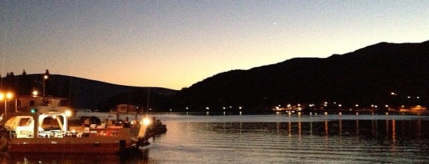 Lepetane Port is one of สถานที่ที่ Mert ถูกใจ.