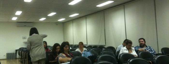 Unesp - Universidade do Livro is one of Profissão.