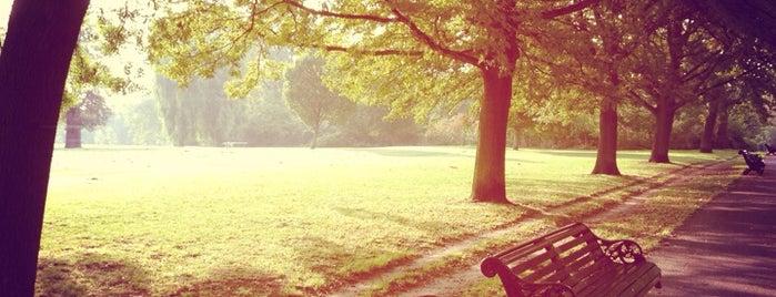 Regent's Park Broadwalk is one of London.