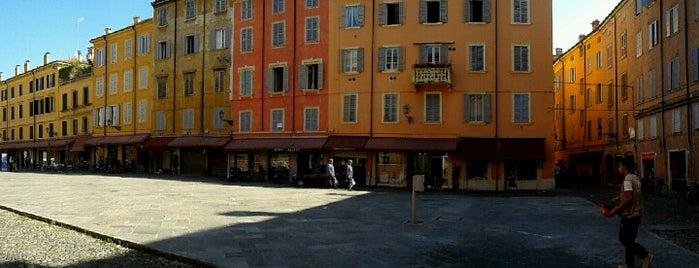 Piazza XX Settembre is one of Mariateresa 님이 좋아한 장소.