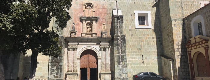 Iglesia del Carmen Alto is one of Locais curtidos por CARLOS.